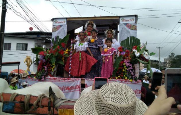 Santeños residentes en San Miguelito y Juan Díaz celebran 198 años del Primer Grito de Independencia - Panamá América