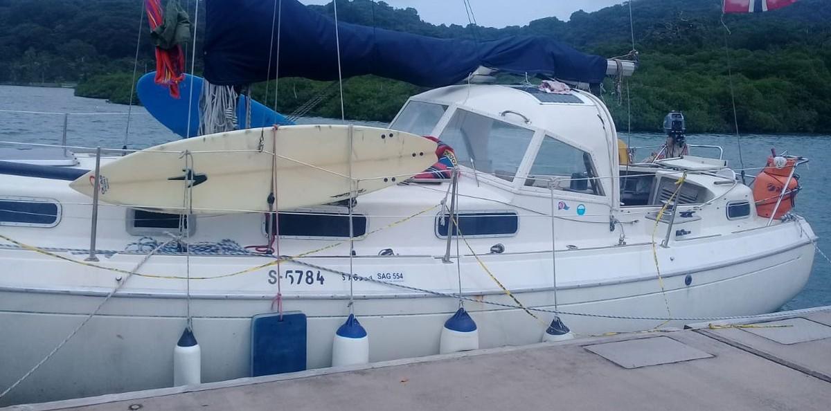 Los delincuentes atacaron el velero en el que viajaban seis ciudadanos de Noruega. Foto @ProtegeryServir