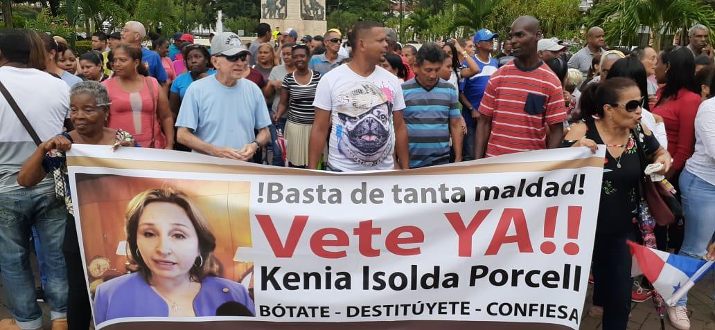 Manifestantes piden la cárcel para la procuradora Kenia Porcell, tras el escándalo de los Varelaleaks