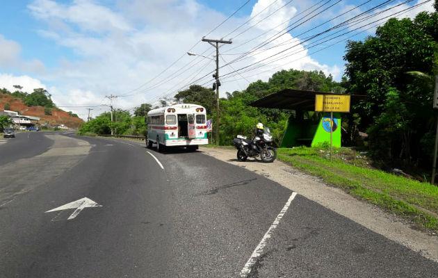 Ciclista muere atropellado por un bus en la carretera Panamá-Colón - Panamá América