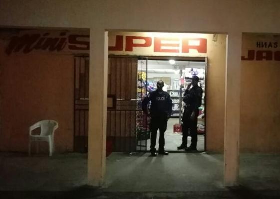 Tres heridos durante el robo a un minisúper en la comunidad de Palenque, Colón
