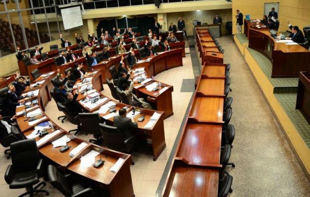Asamblea imparte seminario de ética, pero sin la presencia de los diputados