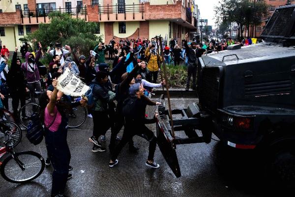 Jornada de protestas en Colombia dejó tres muertos, 98 detenidos y millones en pérdidas