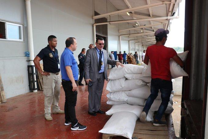 Los 550 quintales de arroz se encontraban en un contenedor identificado.