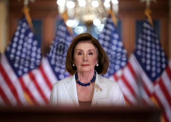 Nancy Pelosi pide iniciar la redacción de los cargos del juicio político a Donald Trump