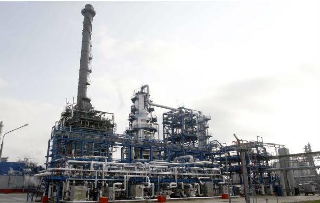 OPEP y aliados pactan nuevo recorte de oferta