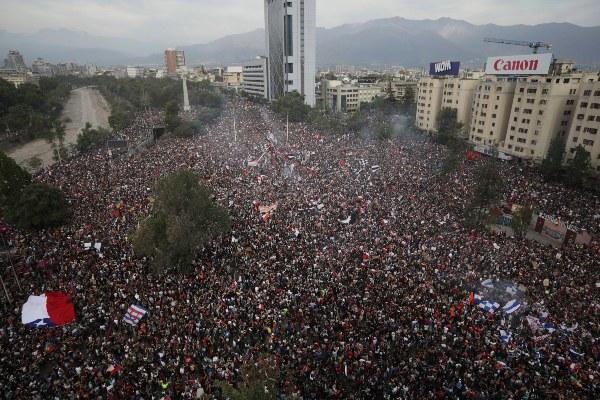 El gobierno chileno convocará a un consejo especial la próxima semana para reformar la policía