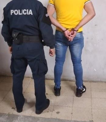 Al ciudadano se le leyó la orden de captura de la Fiscalía Superior de Asuntos Internacionales de la Procuraduría General de la Nación.