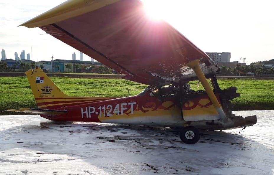 Video: Avioneta se incendia en el Aeropuerto Marcos A. Gelabert, en Albrook