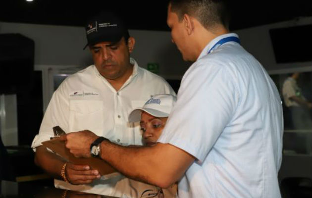 Falsos inspectores se hacen pasar por funcionarios del Mici para estafar a comerciantes
