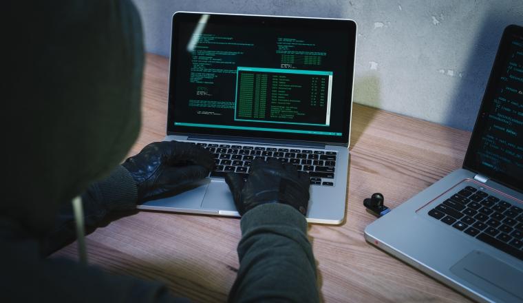 No sea una víctima de los ciberdelincuentes.