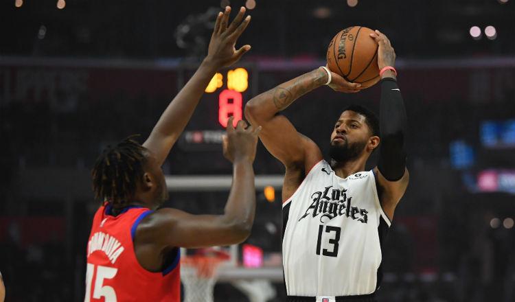 Los Clippers, sin Paul George, sacuden a los Pistons