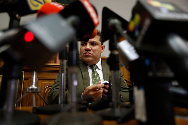 Juan Guaidó y Luis Parra se enfrenta hoy cada uno como jefe del Parlamento venezolano