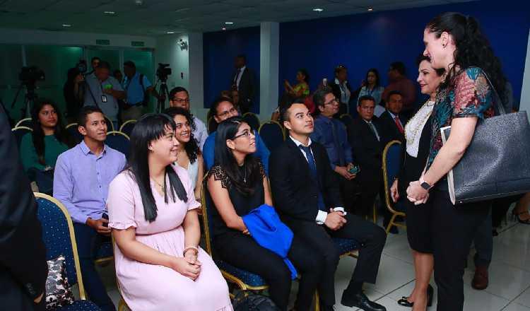 Avanza proyecto satelital panameño