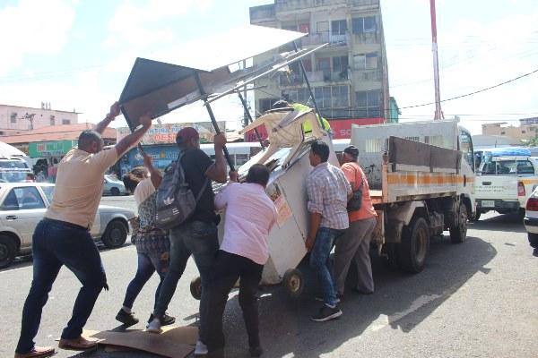 Desalojan a vendedores en La Chorrera
