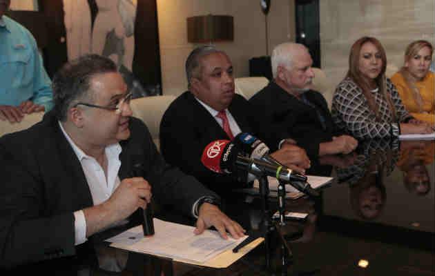 Ricardo Martinelli demandará civil y penalmente a Kenia Porcell por tratar de manipular tratado de especialidad