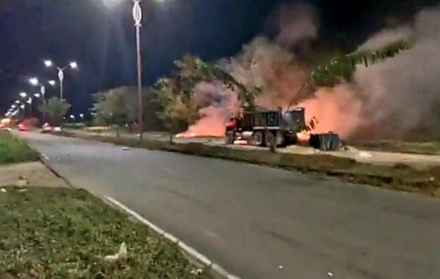 Explota camión bomba frente a una base de la Fuerza Aérea de Colombia