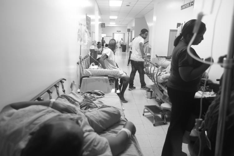 En los hospitales públicos, uno se encuentra con ángeles y con demonios