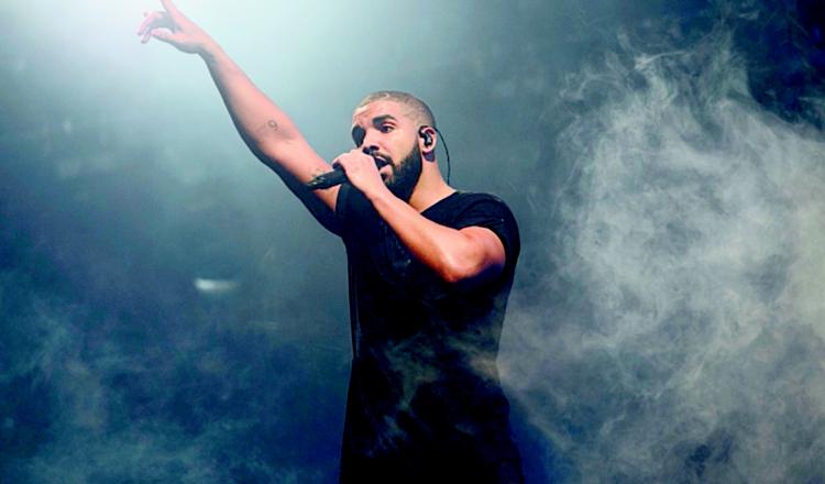 Drake compra collar de $1 millón