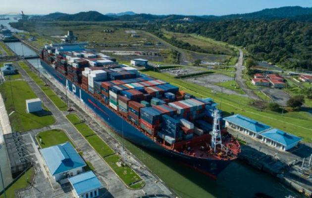 Cobro por agua dulce en el Canal de Panamá preocupa a navieras