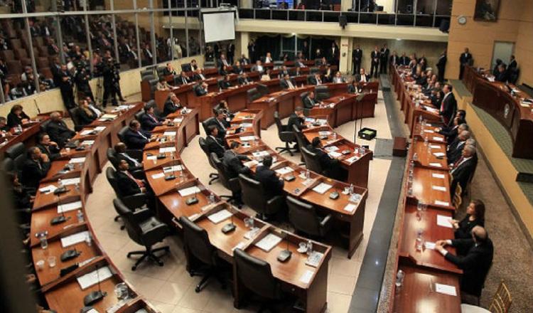 Opiniones encontradas por participación del Legislativo