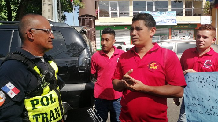 Transportistas de La Valdeza en La chorrera presionan para crear empresa