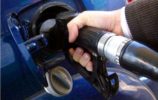 Precio de la gasolina y el diésel  baja un centavo por 15 días