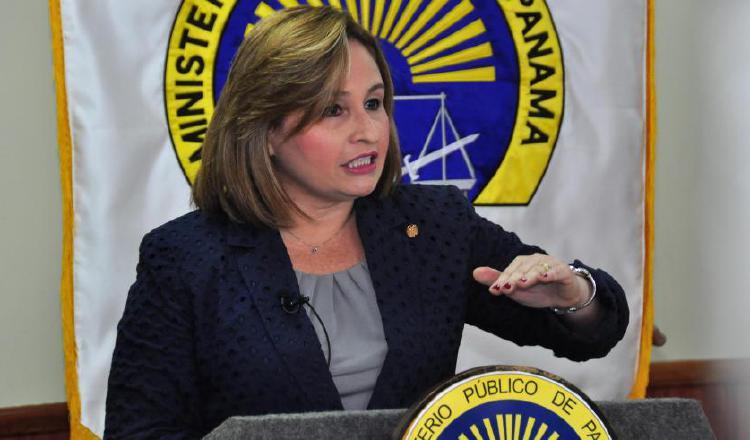 Defensa de Ricardo Martinelli presentará denuncia y querella contra Kenia Porcell