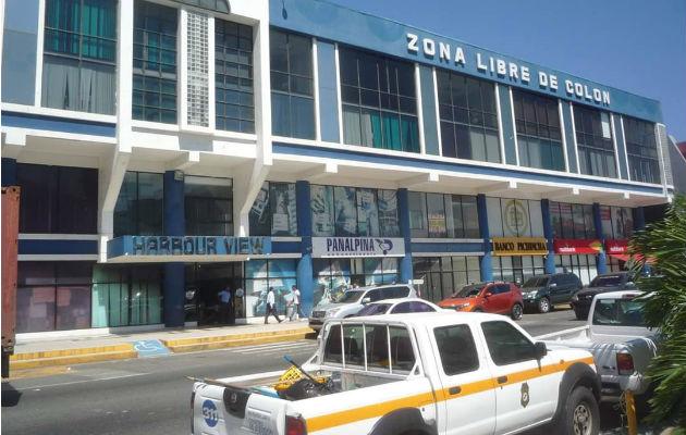 Amordazan a empleados de una empresa y roban miles de dólares y euros en Colón