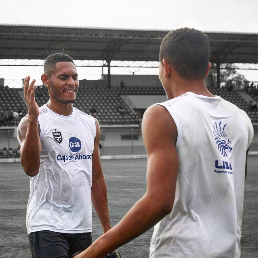 Tauro vence a San Francisco en pretemporada con dos asistencia de Ismael Díaz