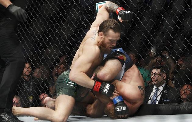 Conor McGregor solo necesitó 40 segundos para liquidar a Cerrone en su vuelta a la UFC