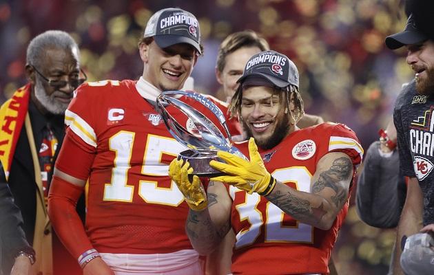 Chiefs aventajan a los 49ers en las apuestas  del Super Bowl