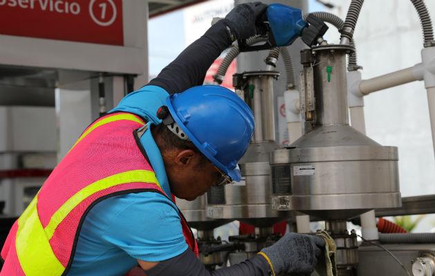 Surtidores de combustible son sancionados por la Acodeco