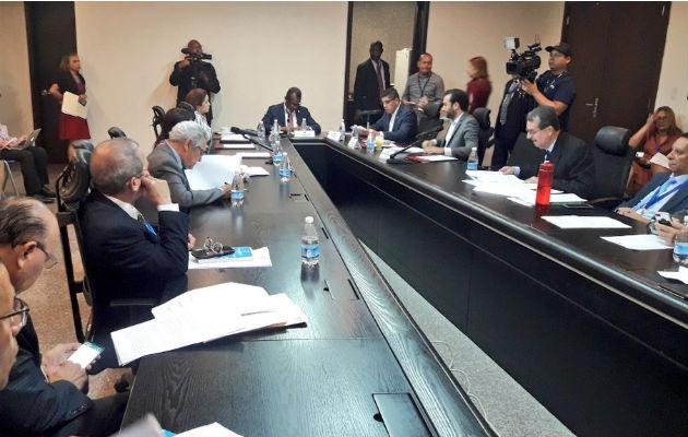 Comisión de Gobierno aprueba retiro del paquete de reformas constitucionales