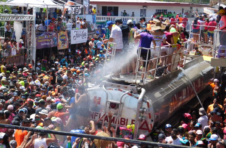 Sech provoca descontento a la Junta de Carnaval de Las Tablas por su 'Bloke Summer Fest'
