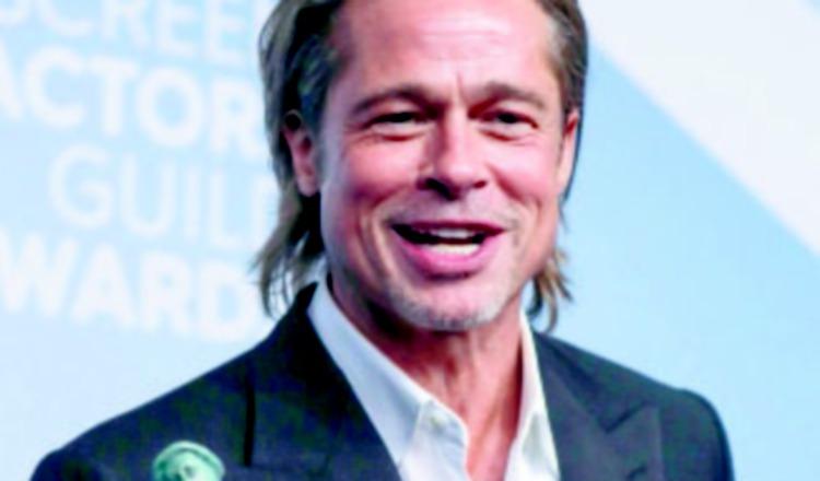 Brad Pitt, para desilusión de muchas, aclara que no usa Tinder