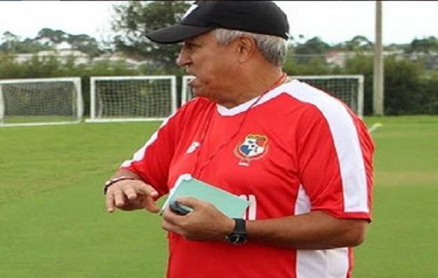 Américo 'Tolo' Gallego convoca a jugadores para su primer microciclo