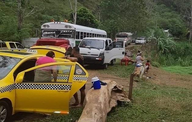 Prohíben el uso de río Boquerón; residentes se quejan por basura que dejan bañistas