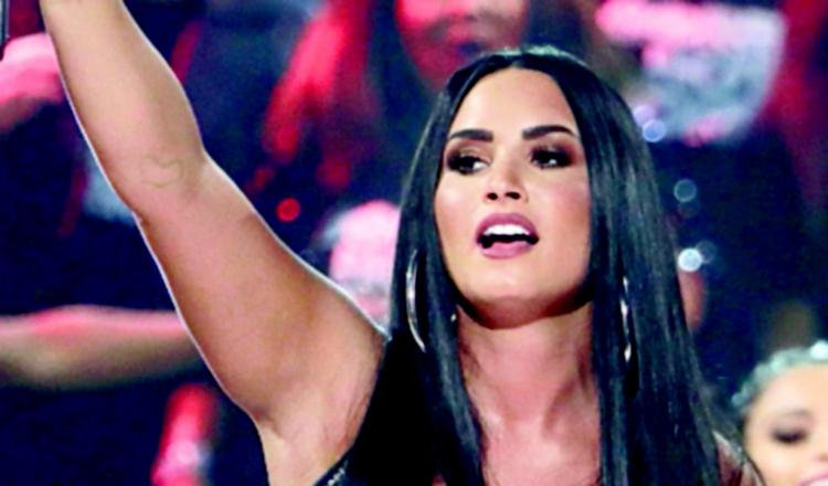 Demi Lovato rompe en llanto durante los Grammy