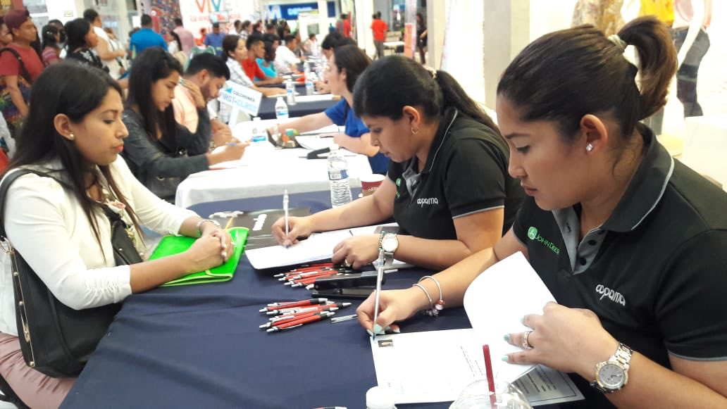Caja de Ahorros y Mitradel firman convenio para reducir tasa de desempleo juvenil en Panamá