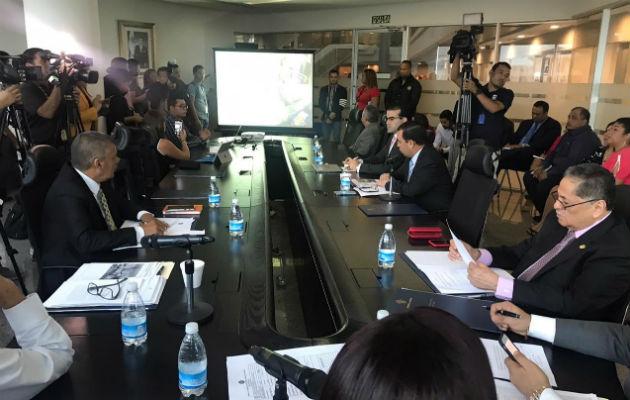 Reunión en la Comisión de Infraestructura Pública y Asuntos del Canal.