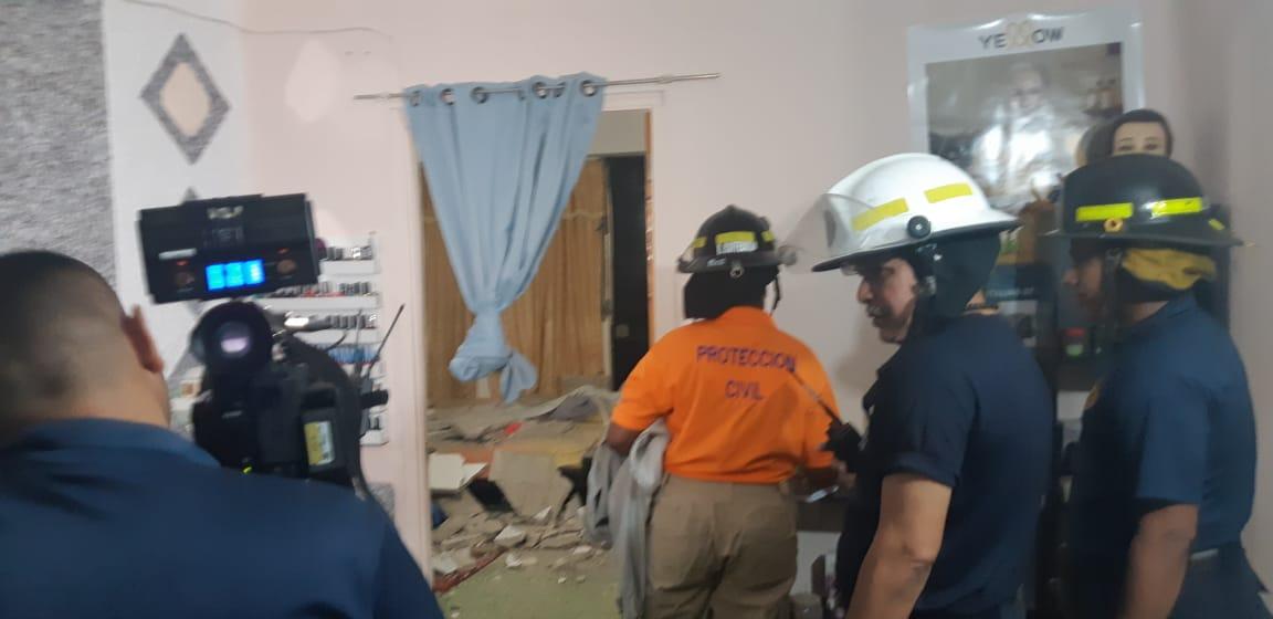 Caída de una  losa en Río abajo deja dos personas heridas, entre ellas un menor de edad