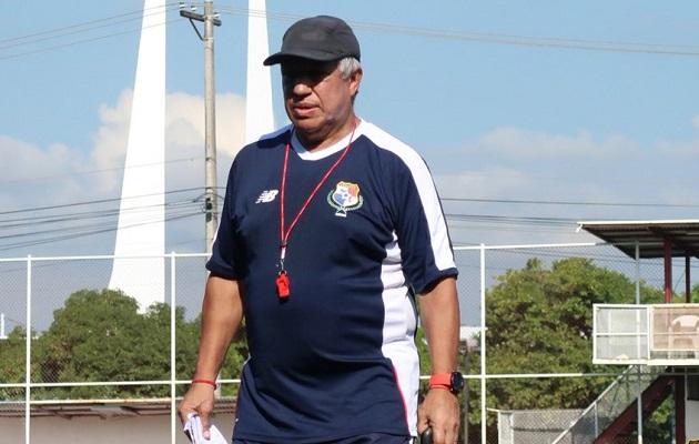 'Tolo' Gallego trabaja en conformar una selección de respeto