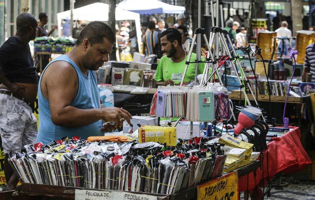 El desempleo cae al 11.9 por ciento en Brasil