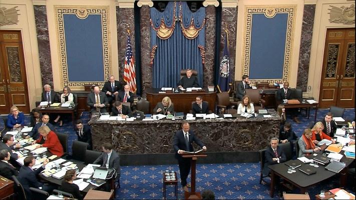 El Senado de EE.UU. absuelve al presidente Donald Trump de abuso de poder