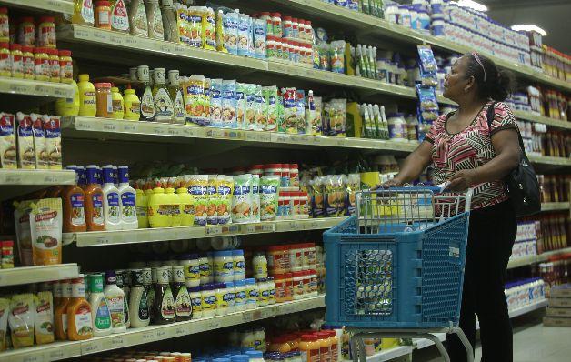Presentan proyecto que implementa la colocación obligatoria de etiquetas en los productos alimenticios sensitivos