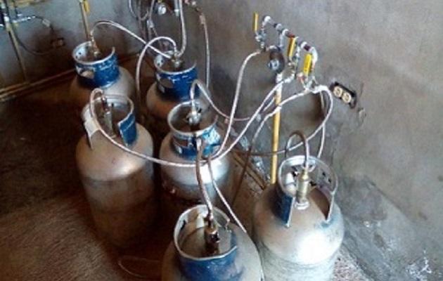 Restaurantes y fondas usan de forma indebida tanque de gas de 25 libras
