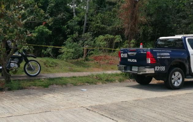 Personal judicial y de la Policía llegaron al sitio del hallazgo. Foto: Eric Montenegro.