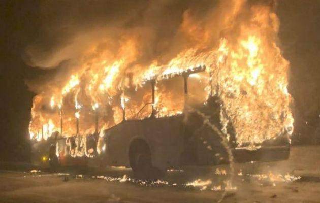 MiBus iniciará investigación por incendio de metrobús en el Corredor Norte