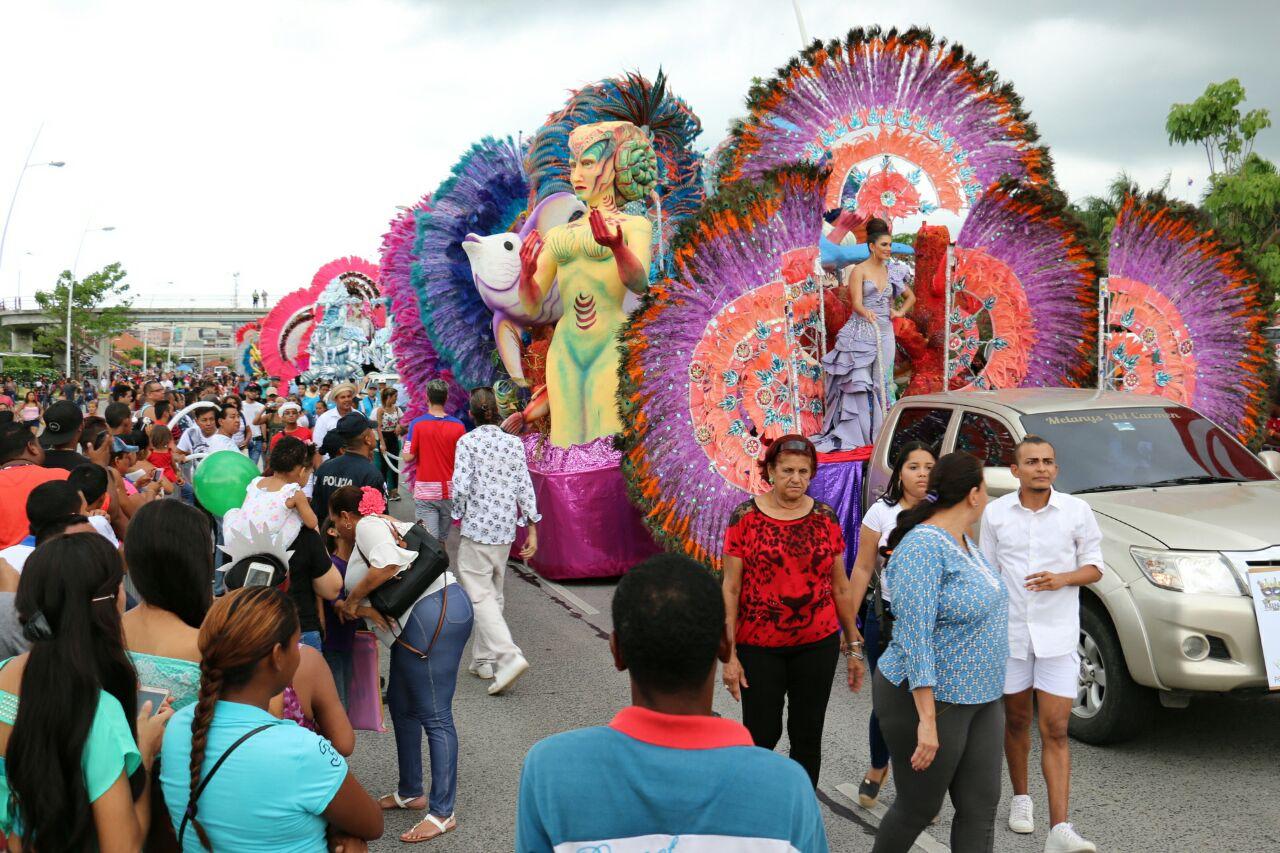 Autoridad de Turismo justifica contrataciones directas de seis empresas para el carnaval capitalino